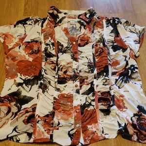 Floral ruched front button down XL